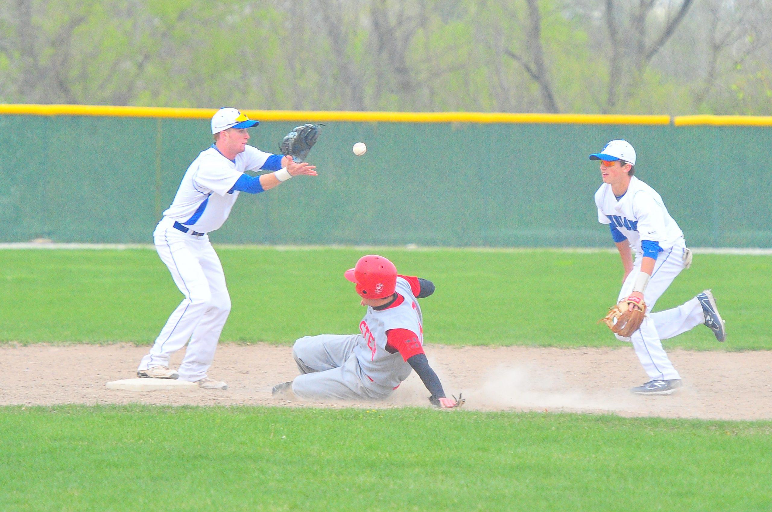 PHOTO GALLERY: Lake Central vs. Munster Baseball – 4/3/12